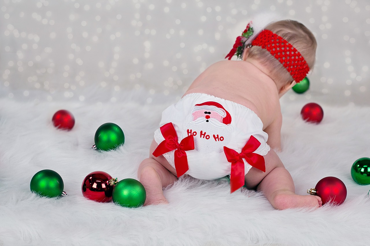 ideas for babies first christmas - Babys First Christmas Photos